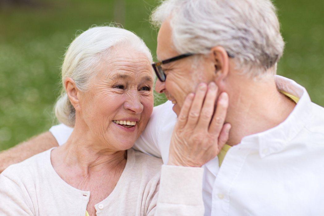 夫妻不就是互相扶持,溫暖過一生,兩個人在一起比一個人更好,才有意義。圖/ingi...
