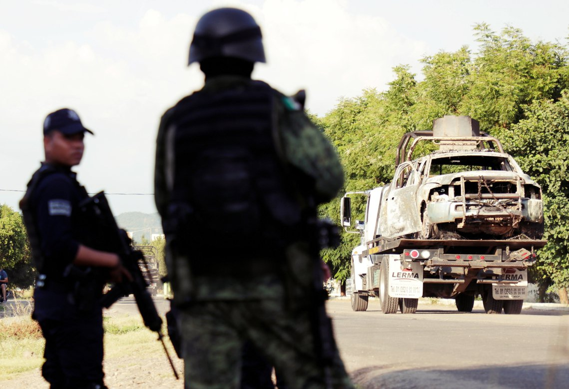 美國「強行入場」的態度,卻在墨西哥造成了極大的震撼。圖為墨西哥警車,疑遭毒梟伏擊...
