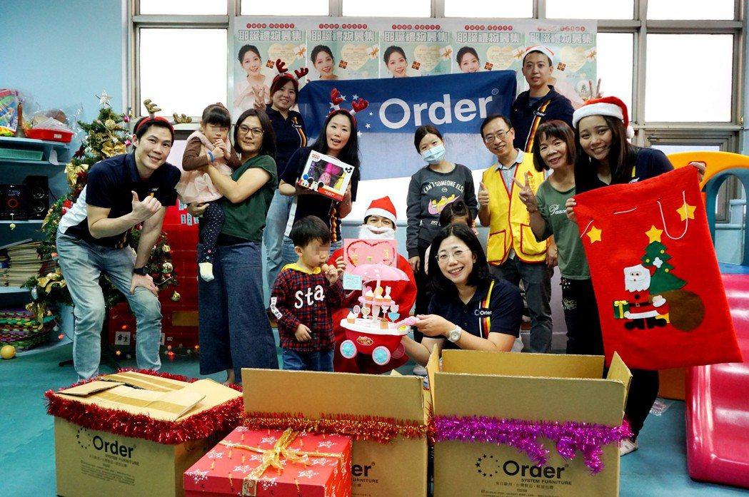 歐德集團發起「手護星願」耶誕禮物募捐活動,已送出超過萬份禮物一圓孩子們的小小心願...
