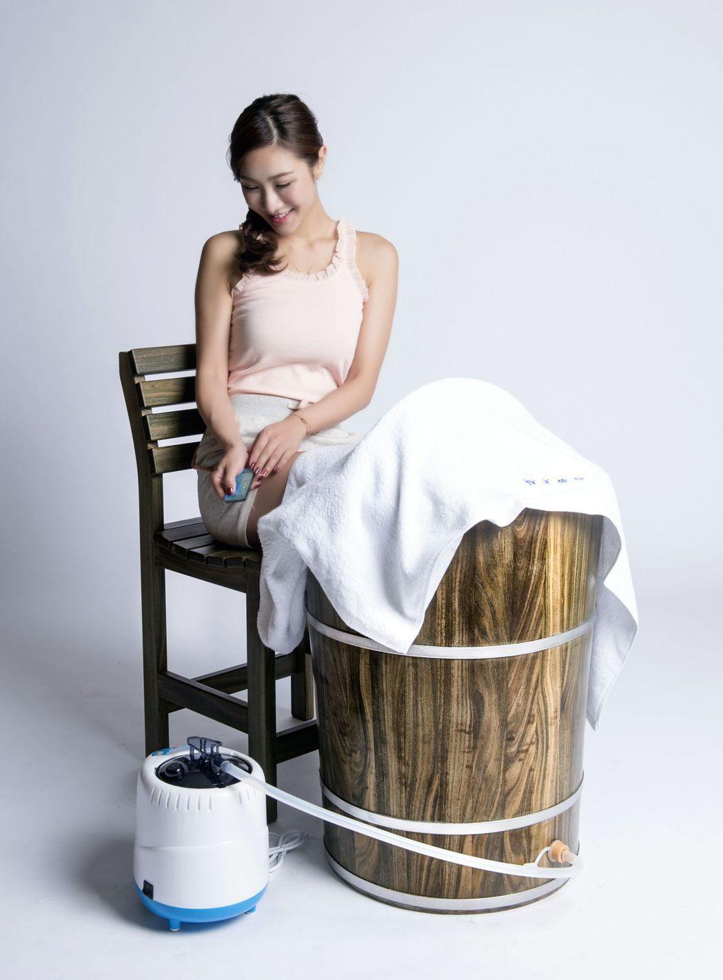 足蒸桶以蒸氣源提供最舒適的足蒸熱源。 雅典/提供