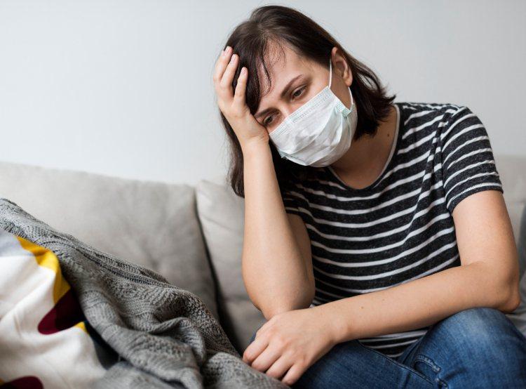 心肌炎是心臟肌肉的急性發炎反應,多為病毒感染造成心肌猛爆性的發炎。示意圖/常春提...