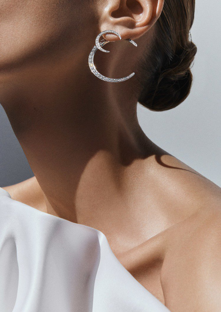 義大利時裝品牌GIORGIO ARMANI首度推出高級珠寶系列,搶食市場大餅。圖...
