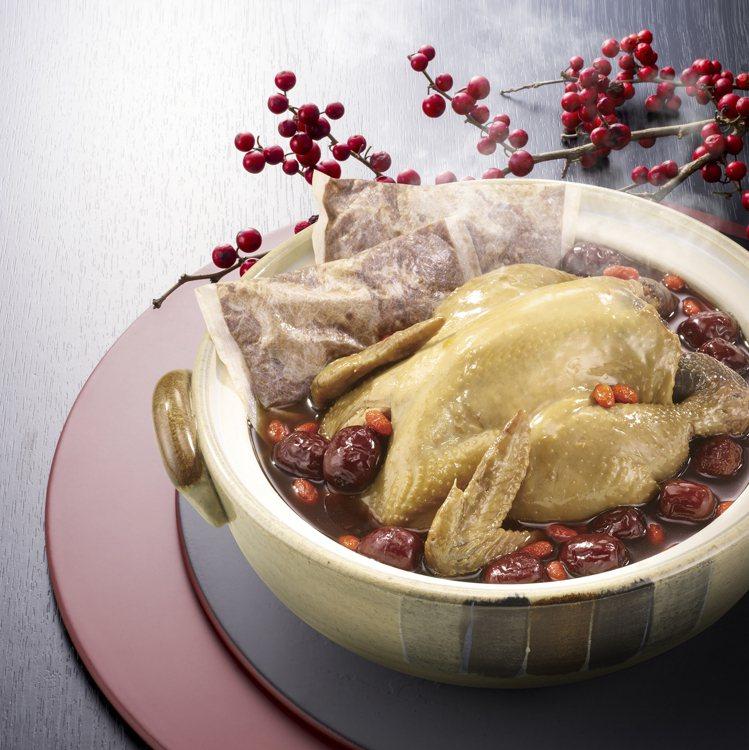 7-ELEVEN年菜預購推出「雙月食品社靈芝首烏土雞湯」,售價599元。圖/7-...