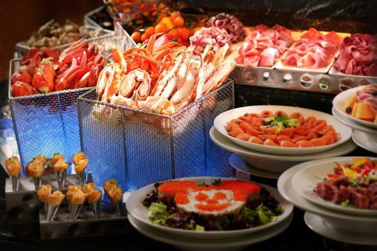 翠樂庭餐廳自助晚餐。圖/香港迪士尼樂園提供