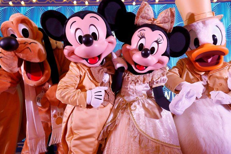 香港迪士尼樂園酒店及迪士尼探索家度假酒店將於12月31日晚上舉行除夕倒數派對。圖...