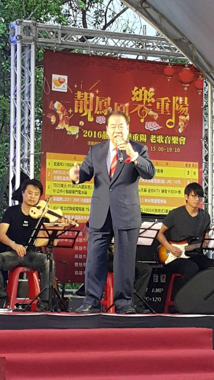 郭金發演唱代表作「燒肉粽」的身影,歌王氣魄至今仍讓人印象深刻。圖/本報資料照