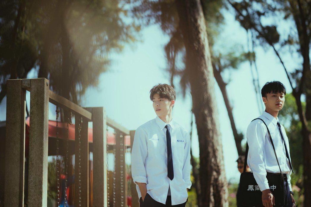 許光漢(左)、施柏宇演出「想見你」雙帥吸睛。圖/衛視中文台提供
