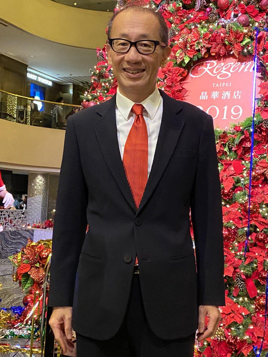 晶華酒店董事長潘思亮主持聖誕點燈儀式。記者黃文奇/攝影