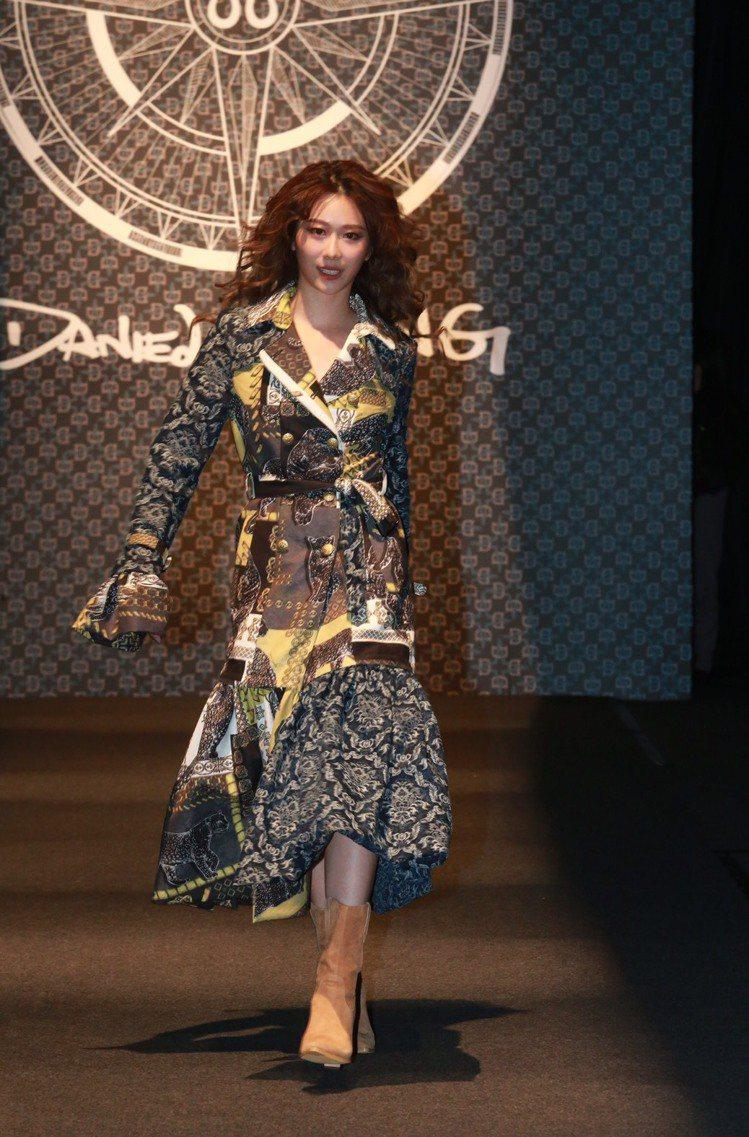 品牌好友張景嵐現身Daniel Wong的第10季大秀。記者黃義書/攝影