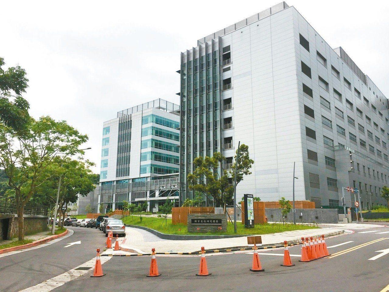 中研院打造南港生技研究園區,去年10月正式啟用,每天2千位以上員工進出,也讓「南...