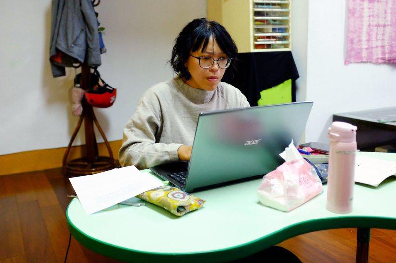 對楊沛瀠而言,能投入喜愛的工作並從中成長、學習,就是最令人滿意的狀態。圖/陳姵穎攝