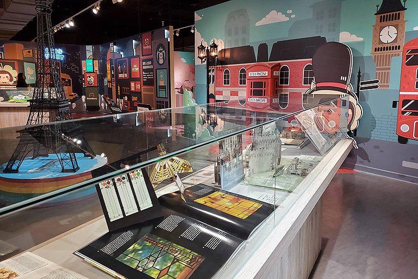 展示超過100本的國內外精彩立體書藏品。 人文遠雄博物館/提供