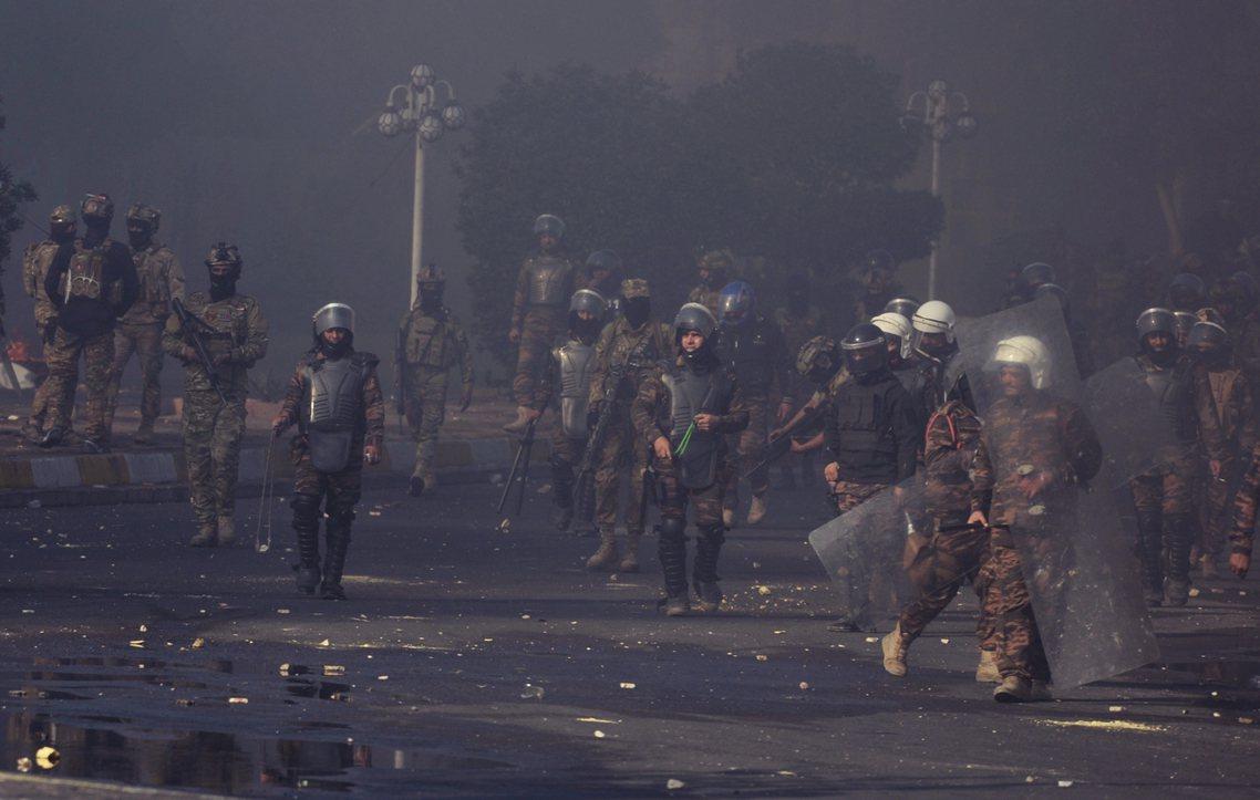 《路透社》表示,截至11月29日清晨為止,伊拉克全國一夜就「至少」有45名示威者...