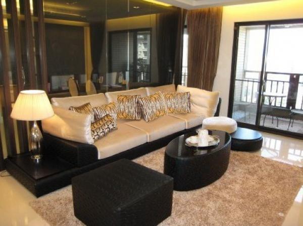 ▲向心位於冠德遠見十四樓的豪宅目前正對外出租。
