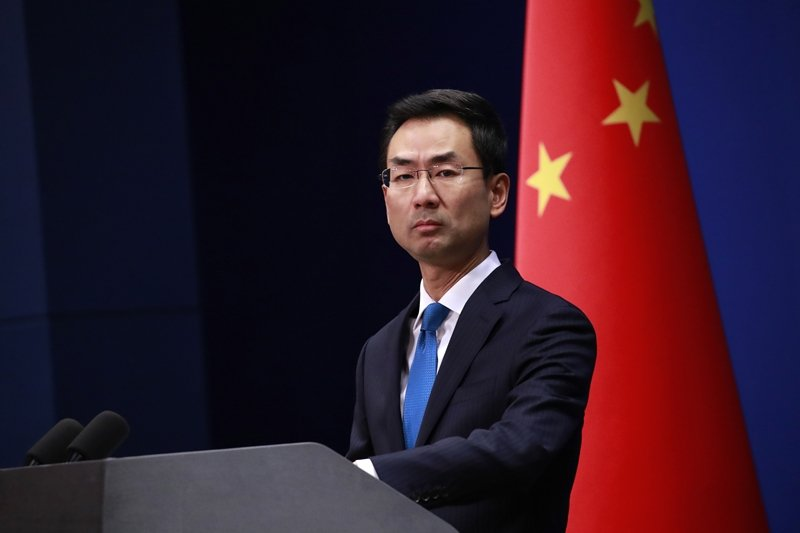 美國通過香港法案後,中共急跳腳是可以想見。圖為11月28日,中國外交部發言人耿爽表達強烈不滿。 圖/歐新社