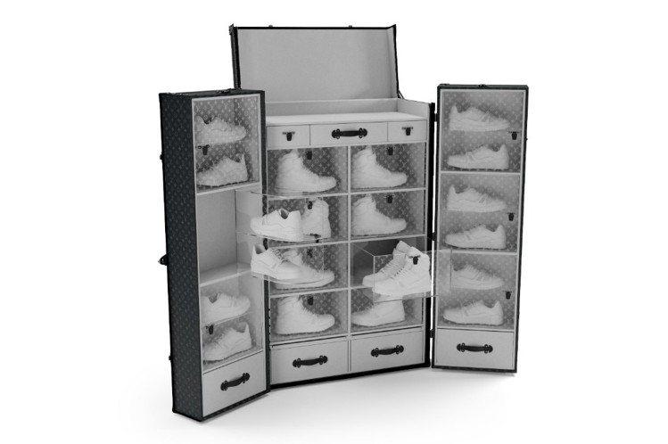 大型的運動鞋行李箱,可收納18雙低筒鞋以及8雙高筒鞋共26雙。圖/LV提供
