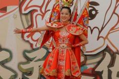 驚豔!世界小姐台灣代表穿三太子國服為太子文化季宣傳
