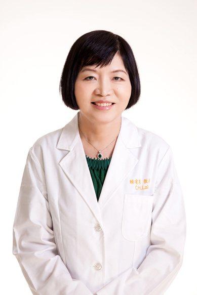 為了讓女兒遠離子宮頸癌風險,林口長庚醫院副院長賴瓊慧提醒家長,務必在同意書上簽名。圖/賴瓊慧提供