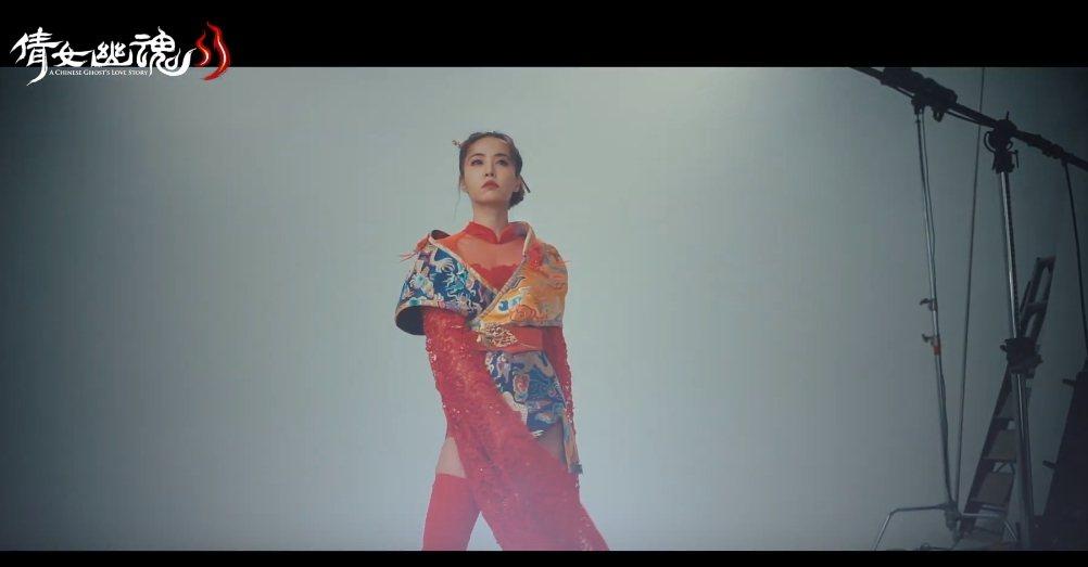蔡依林身著改良式古裝,視覺相當華麗。圖/摘自Youtube