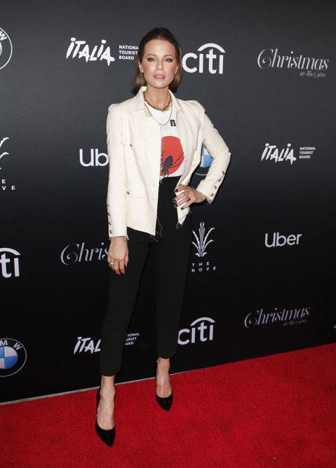 好萊塢最新情侶檔成形!?奧斯卡影帝傑米福克斯(Jamie Foxx)和《決戰異世界》系列主角凱特貝琴薩(Kate Beckinsale)盛傳互相看對眼,關係進展神速。最新一期In Touch周刊宣稱...
