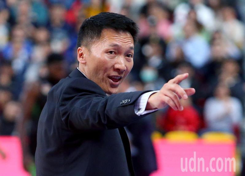 富邦勇士總教練許晉哲。 報系資料照
