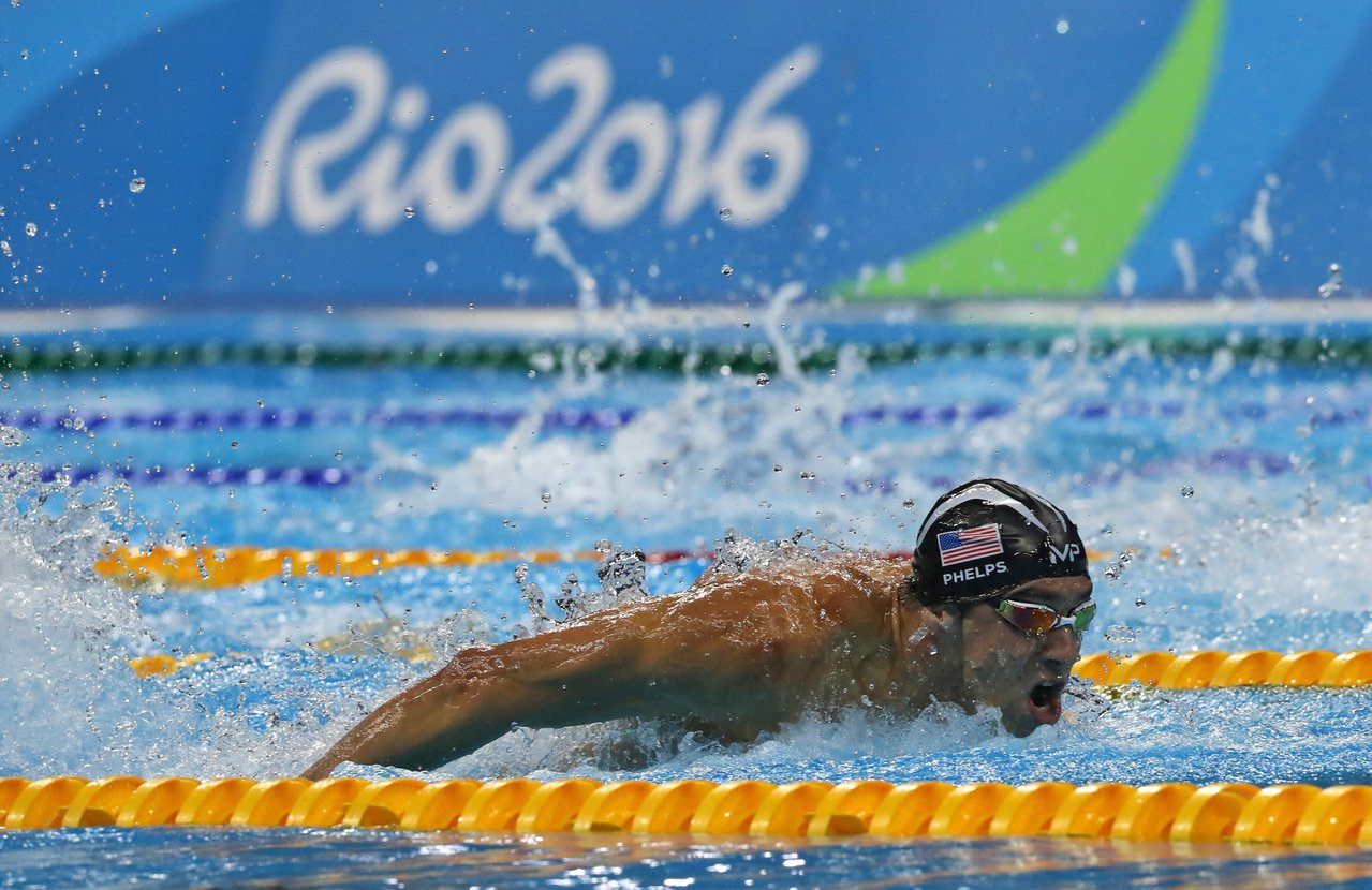 「飛魚」菲爾普斯參加2016年里約奧運比賽的檔案照。 美聯社