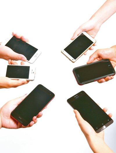 109學年學測也新增行動電話完全關機規定。 圖/聯合報系資料照片