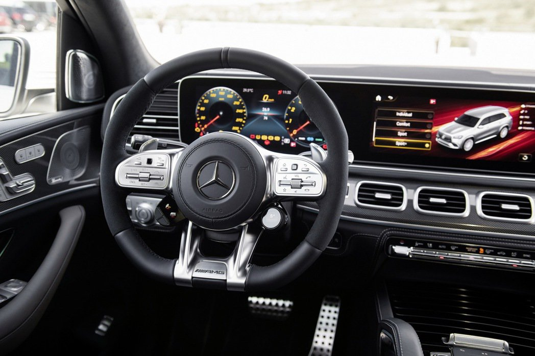 Mercedes-AMG GLS 63 4MATIC+ 內裝。 摘自Merced...