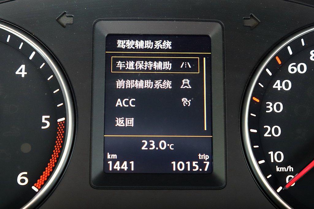 福斯商旅Caddy Maxi Home Run傳奇版搭載ACC主動式固定車距巡航...