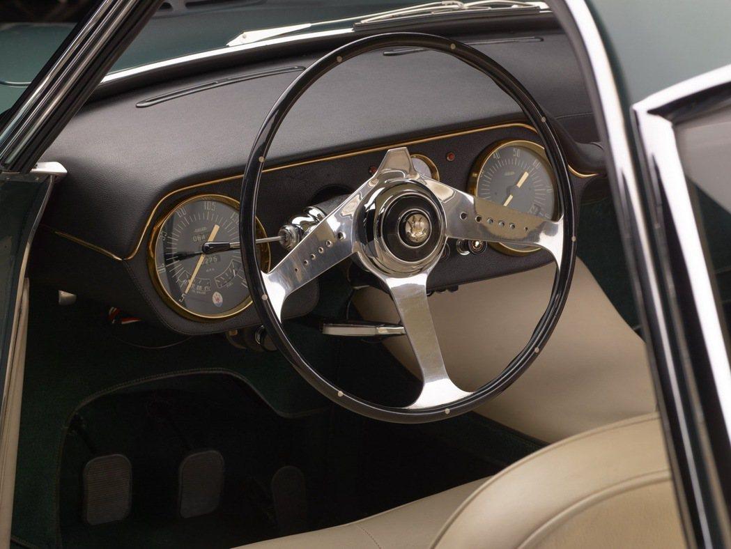 經典設計即便60年後依然讓人傾心不已。 圖/Maserati提供