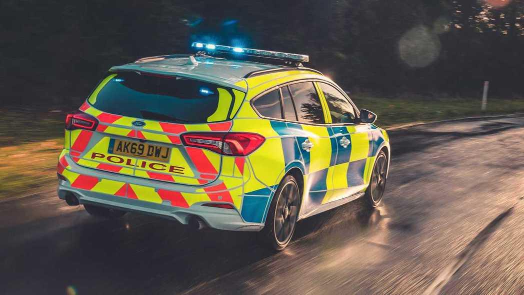 Focus ST Wagon最高時速為250km/h,擁有0-100公里加速不到...