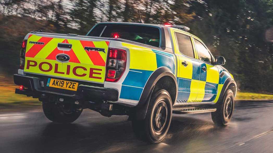 Ranger Raptor將會是英國警方在特殊地形追捕犯人的利器。 圖/Ford...