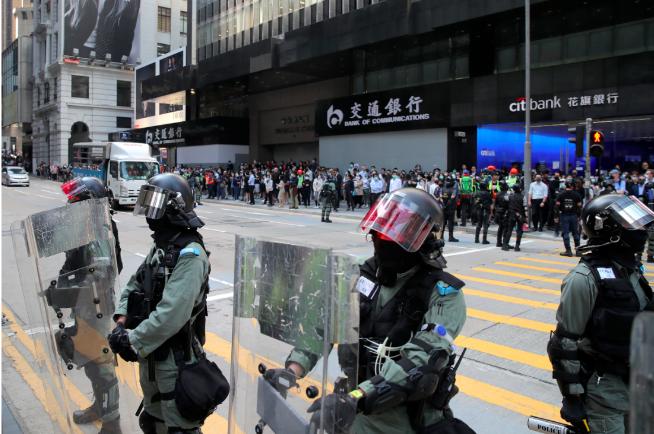 持續抗爭重創香港旅遊業,圖為香港市區20日景象。(美聯社)