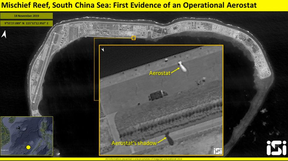 衛星影像顯示,中國大陸在南海美濟礁部署軍事飛船。截自ISI推特