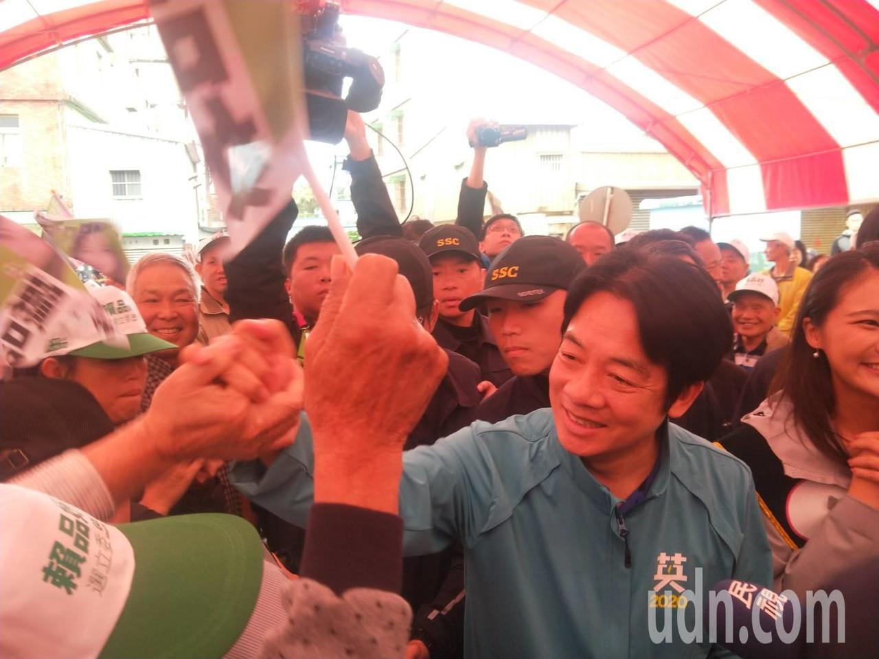 賴清德表示,過去目標都想贏得中台灣,今年戰略應該改變。記者游明煌/攝影