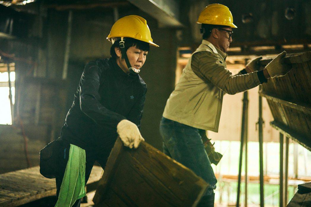 柯叔元扮「鐵工」進工地做電焊活,驚嘆此戲難度最高。圖/大慕影藝提供