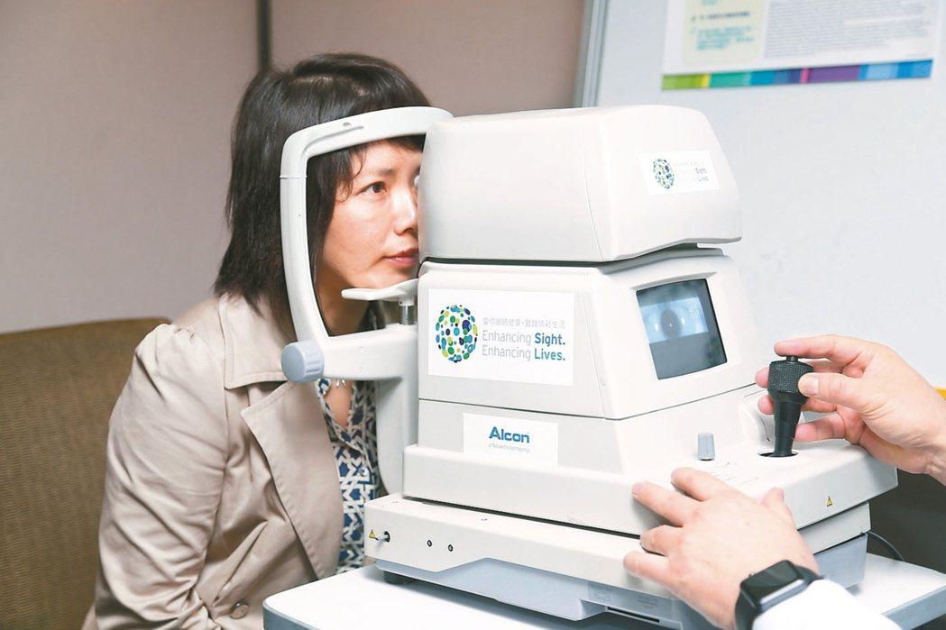 我國每年約有二千到三千名青光眼患者需手術,青光眼手術的重要藥物絲裂黴素C缺貨,使...