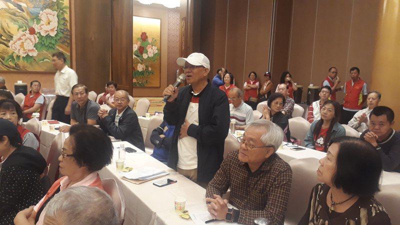 出席台南觀光座談會業者學者砲轟蔡英文政府無能振興觀光旅遊產業,只會出一張嘴。記者周宗禎/攝影