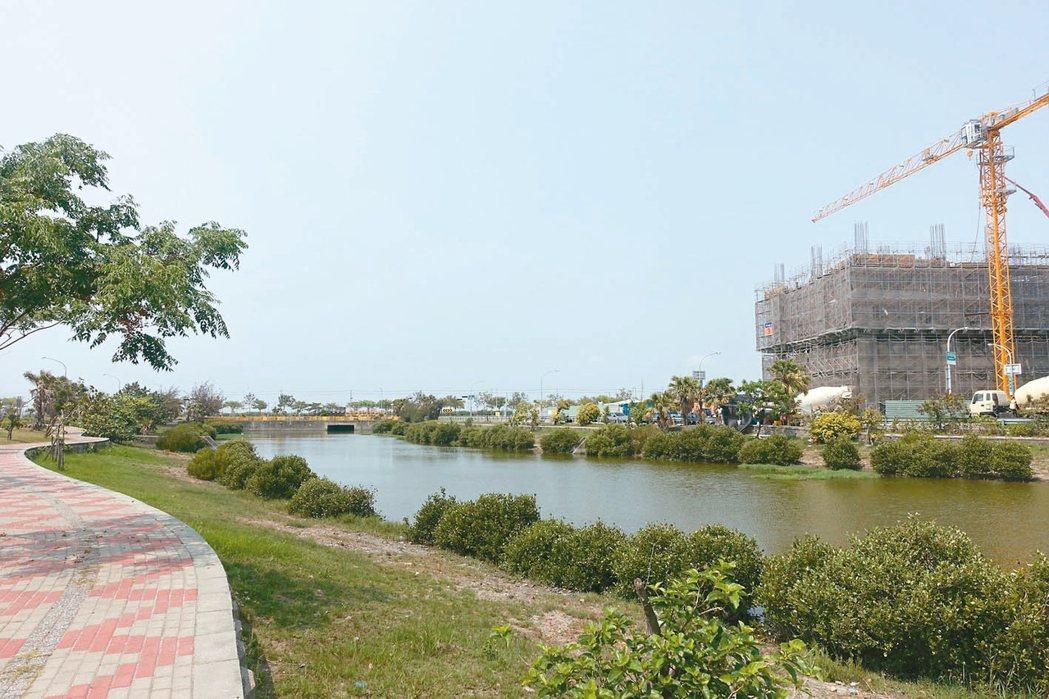 台南九份子重劃區為先進低碳社區,吸引高雄建商跨區深耕,連中鋼集團都軋一腳。 記者...