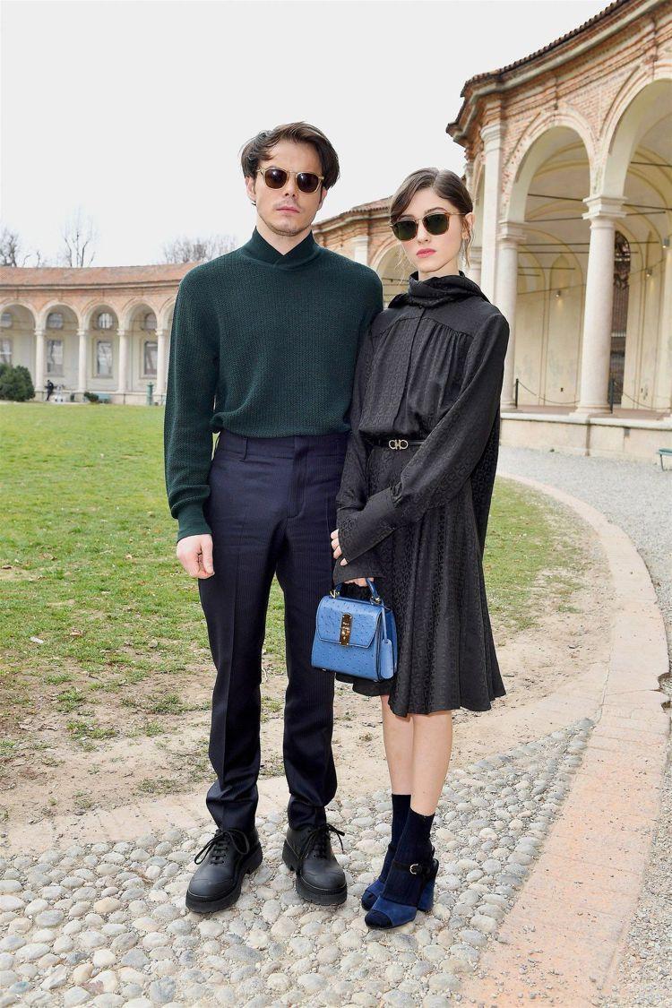「怪奇物語」娜塔莉亞戴爾與查利希頓是時尚品牌的寵兒,一起出席不少時裝秀與相關活動...
