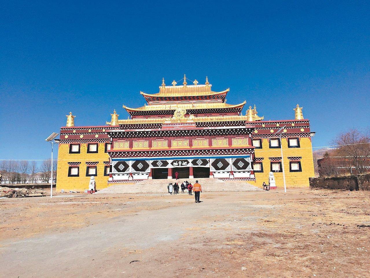 雍正時期建築的惠遠寺,幾經重修,仍保有搶眼的外觀。圖/聯合報系資料照片