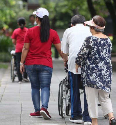 「外籍看護工外展看護服務試辦計畫」試辦計畫終結。 圖/聯合報系資料照片