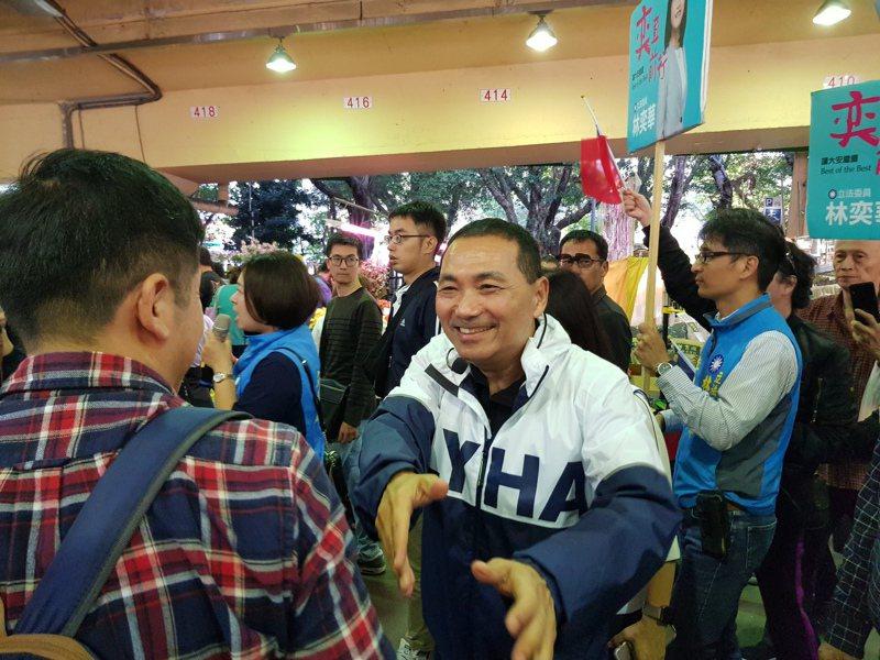 新北市長侯友宜昨輔選時表示,「蔡久久來一次,喊的是凍蒜;我是天天在新北做事」。記者翁浩然/攝影