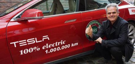 5年特斯拉「里程數破百萬」 車主:維修費只花了44萬!