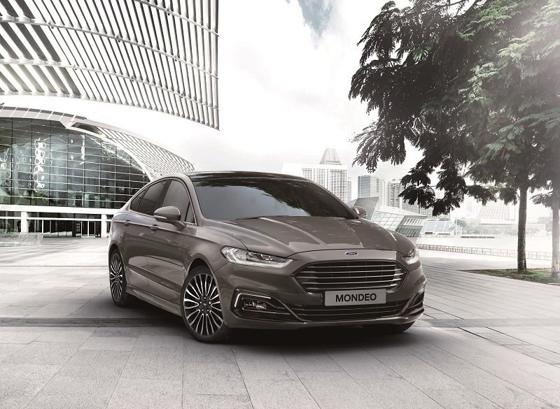 New Ford Mondeo以Ford Kinetic Design 2.0家...