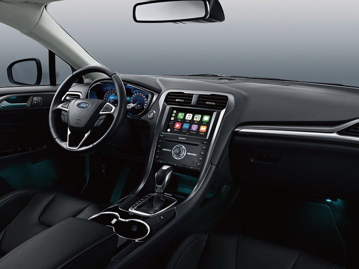 搭載SYNC3娛樂通訊整合系統的8吋LCD彩色觸控螢幕支援Apple CarPl...