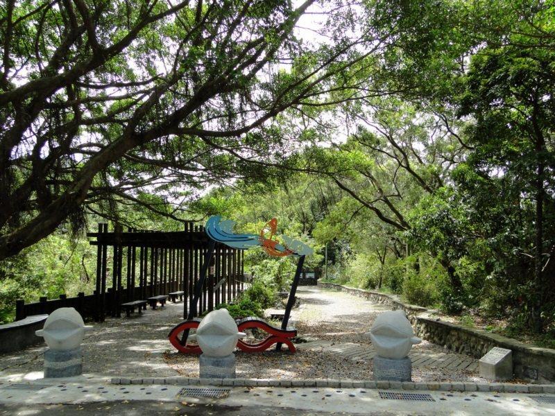 登山健行已成為熱門休閒活動,台北市政府維管135條登山步道,除以不同主題營造步道...