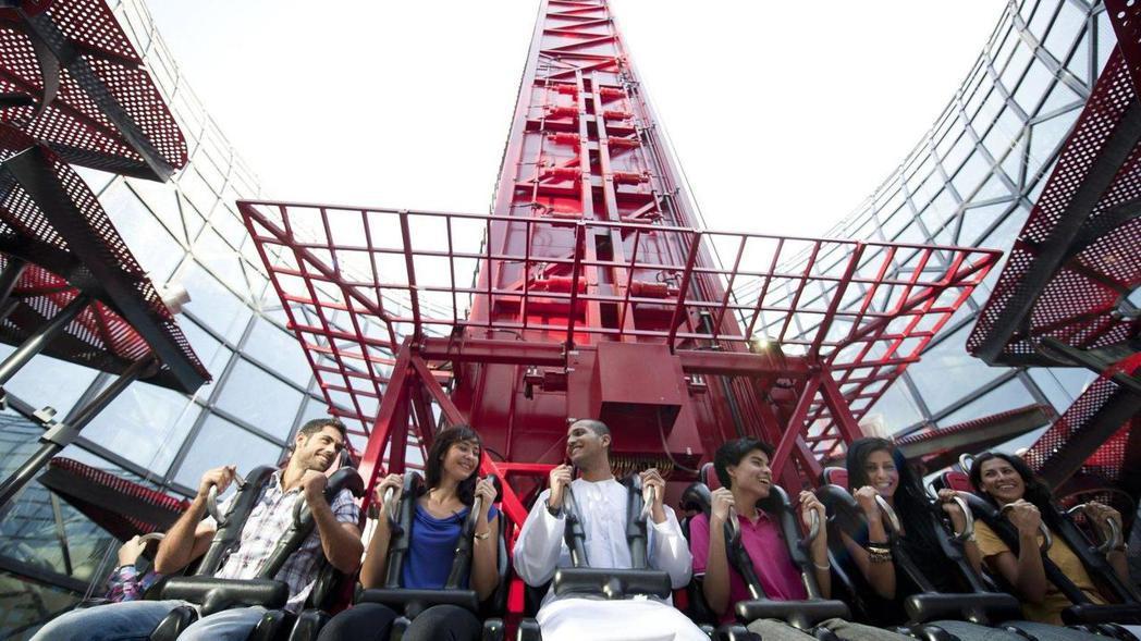 法拉利世界擁有許多驚險刺激的遊樂設施。 圖/摘自Motor1.com
