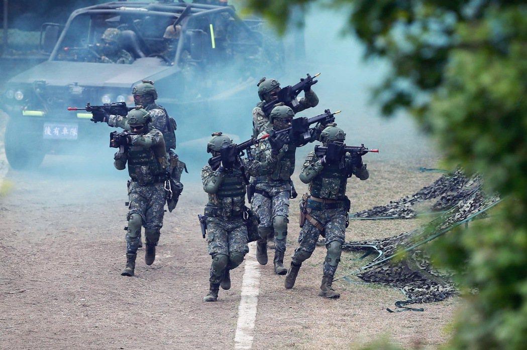 國防部發言人陳中吉今天表示,「募兵制」現在是國防政策非常重要的一環,目前志願役兵...