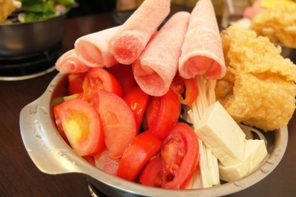 嘉義民雄/有間鍋物平價火鍋,每日現熬超浮誇番茄豬肉鍋